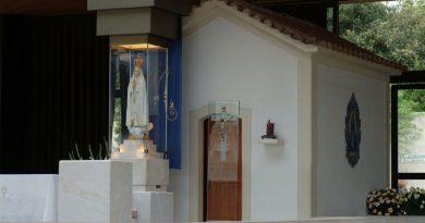 Capilla con la imagen de la Virgen de Fátima
