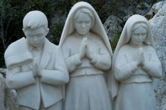 Escultura de los partorcitos en Fátima
